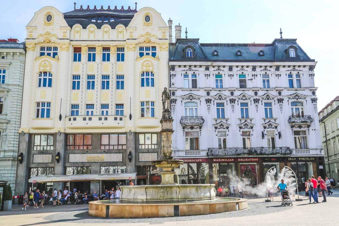 THE MAIN SQUARE AND ROLAND'S FOUNTAIN Bratislava